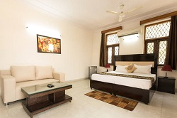 Service Apartments near DLF Cyber City in Gurgaon - DLF Phase 2